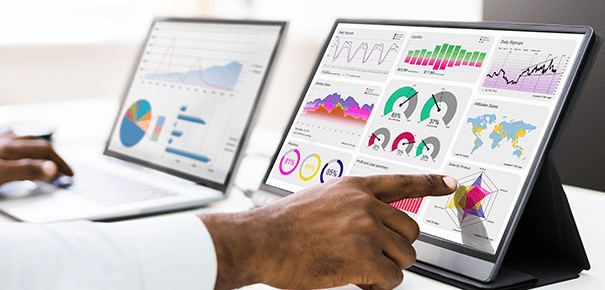 Replay-Webinar-How-to-Create-Efficient-Data-Storytelling-Dashboards